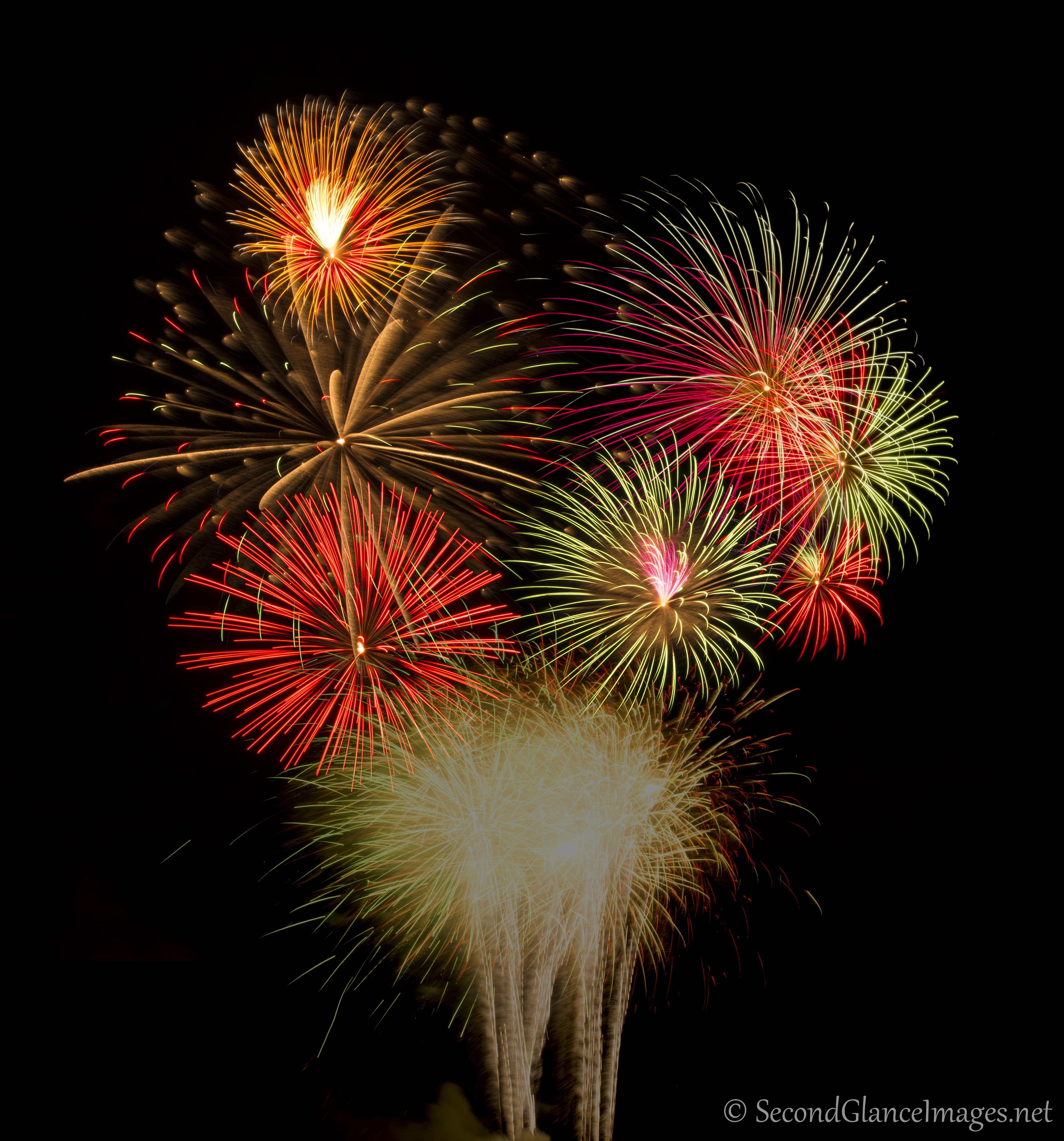 A bouquet of fireworks ...